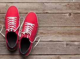 Can coronavirus live on bottom of your shoes?