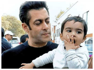 Throwback picture of Salman Khan with a kid