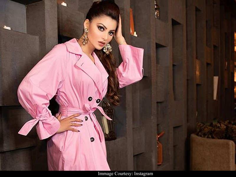 Urvashi Rautela didn't copy-paste 'Parasite' review tweet, it was her social media team