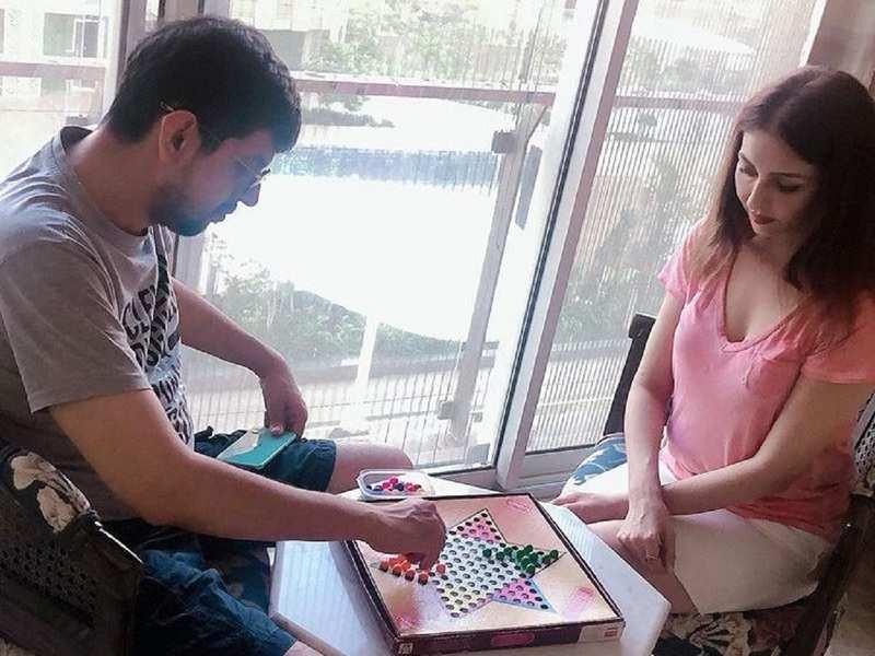 Bhabhi Ji Ghar Par Hain's Saumya Tandon shares a relatable post on how family board games end