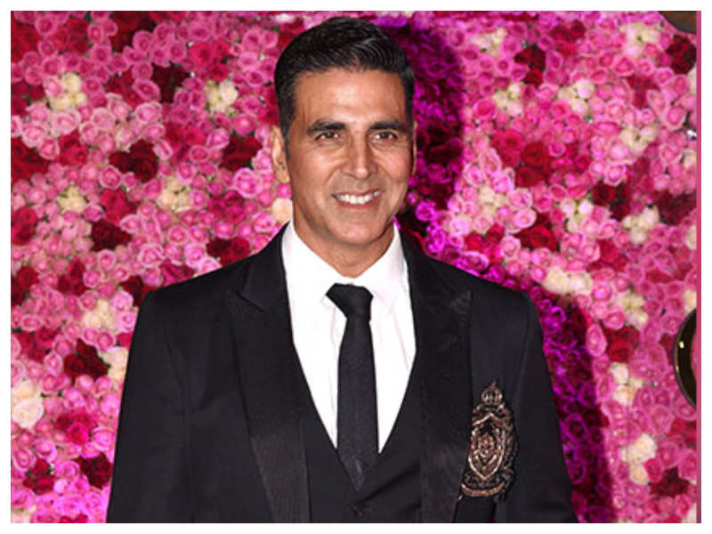 When Akshay Kumar revealed that he found his first love in his teacher