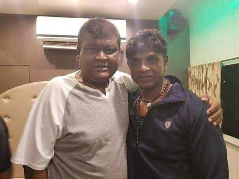Duniya Vijay visits Bullet Prakash in the hospital