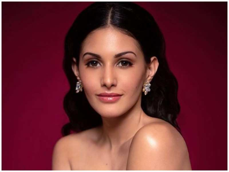 Amyra Dastur's pics are all about beating quarantine blues and staying positive