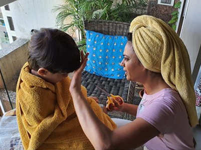 Shweta Tiwari turns barber for son Reyansh