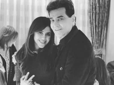 Ekta, son Ravie celebrate Jeetendra's b'day