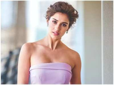 Disha grooves to the title track of 'Malang'
