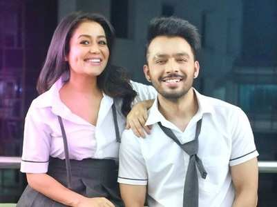 Neha Kakkar wishes brother Tony on his b'day