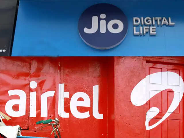Airtel, Reliance Jio offer extra credits to users who recharge for other users