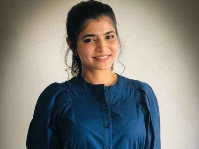 Chinmayi to sing to help daily wagers