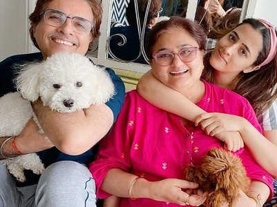 Kriti Sanon shares a happy family picture