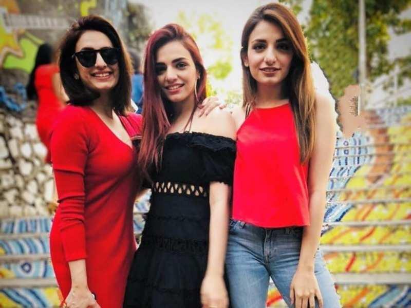 Akriti with sisters Sukriti and Prakriti
