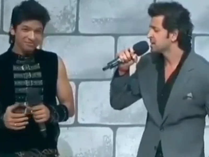 Hrithik Roshan singing 'Tere Jaisa Yaar Kahan' is this throwback video is the best thing on the internet today!