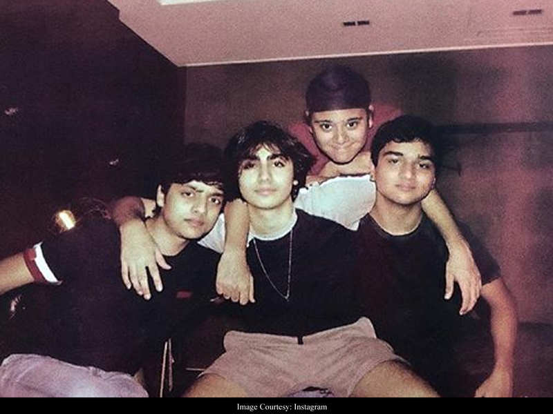 Malaika Arora and Arbaaz Khan's son Arhaan posts throwback clicks with friends when 'social distancing wasn't a thing'