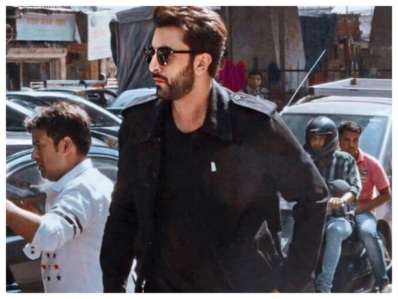 Ranbir Kapoor's dapper look in his all-black attire is sure to make you go weak at knees