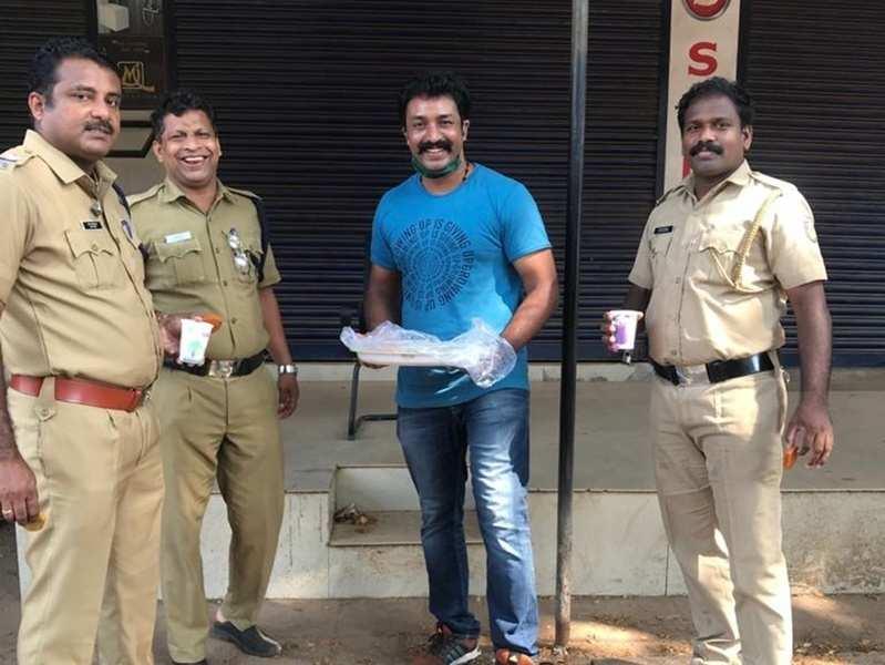 Here's how Shanavas Shanu pays tribute to police of Manjeri town