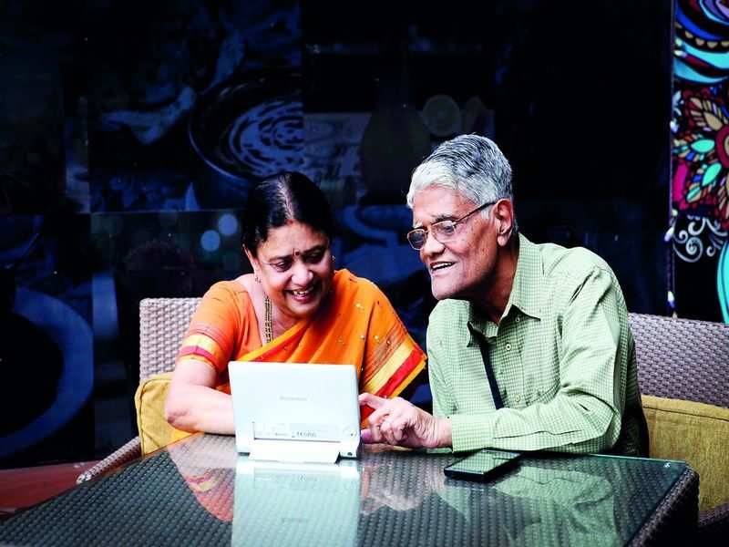 LifeInTheLockdown: Senior citizens get tech-savvy to connect with family  and run day-to-day affairs - Times of India