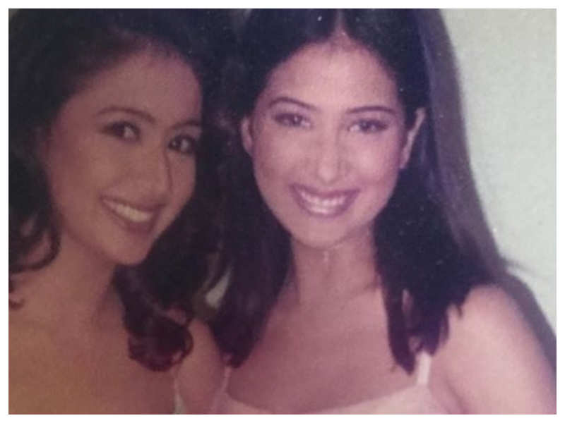 THIS throwback picture of Preeti Jhangiani and Kim Sharma from the sets of 'Mohabbatein' will make you revisit the film