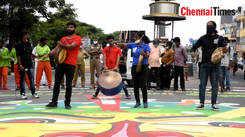 Members of Nigar kalaikoodam play parai to thank the Corona warriors