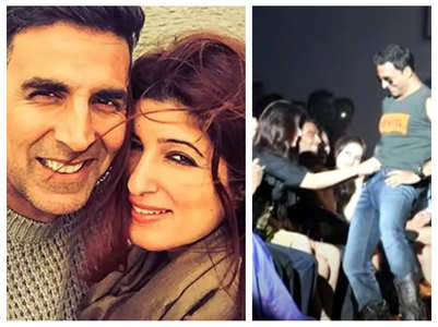 Akshay-Twinkle's obscene act at public event