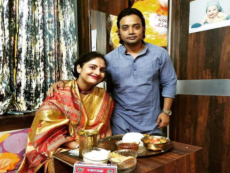 Actress Sairity Banerjee Enjoys Baby Shower Ceremony At Home Times Of India