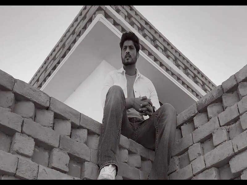 Gurnam Bhullar's 'Dil Nahi Mannda' is out
