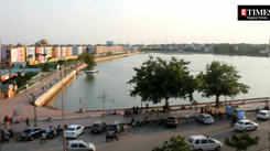 Take a tour of Raipur's marine drive aka Telibandha Lake