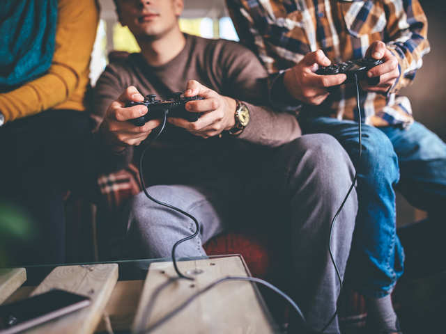 Indians bet on online gaming to kill boredom