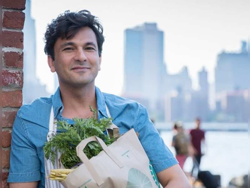 They stood for hours to feed us, can't let them go hungry: Vikas Khanna