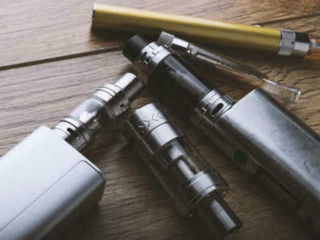 Researchers develop device that tracks e-cigarette habits to help curtail usage