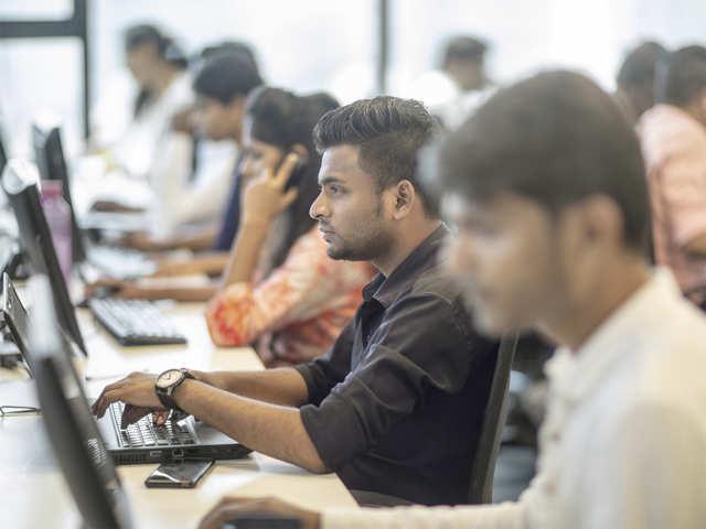 HCL Tech revenue up 17%, beats peers