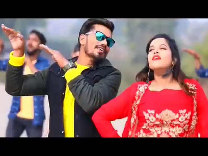 'Dhodhi Khaal Kaile Baadu': Pravesh Lal Yadav impresses fans with his amazing dance moves in the new song