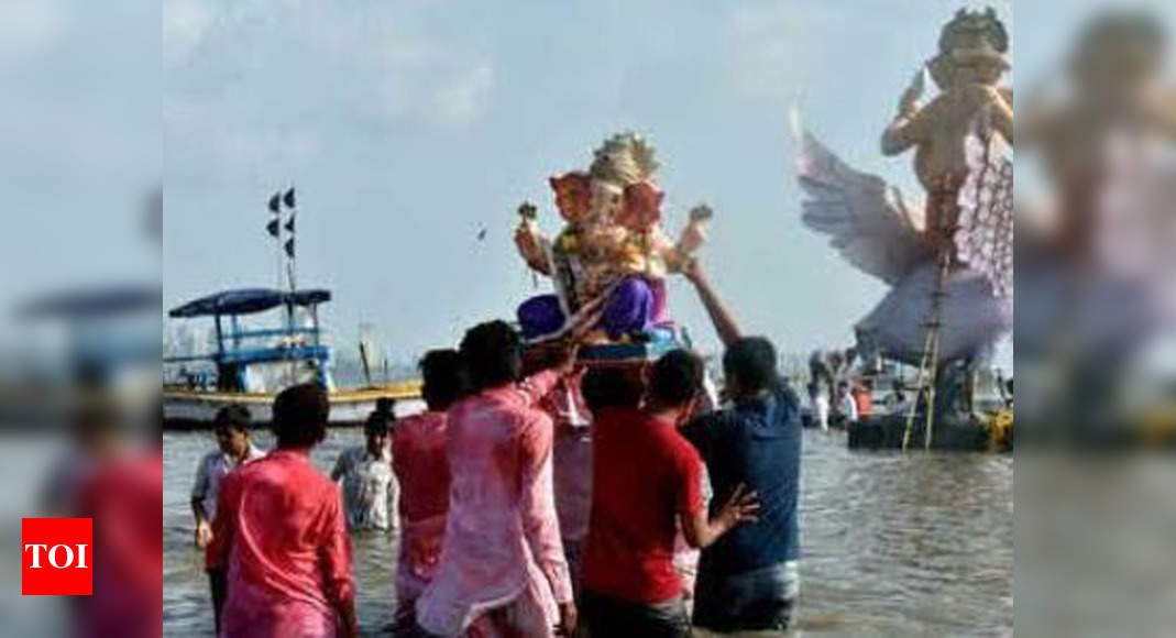 Maharashtra: Central pollution board bans use of plaster of paris in making idols for all festivals