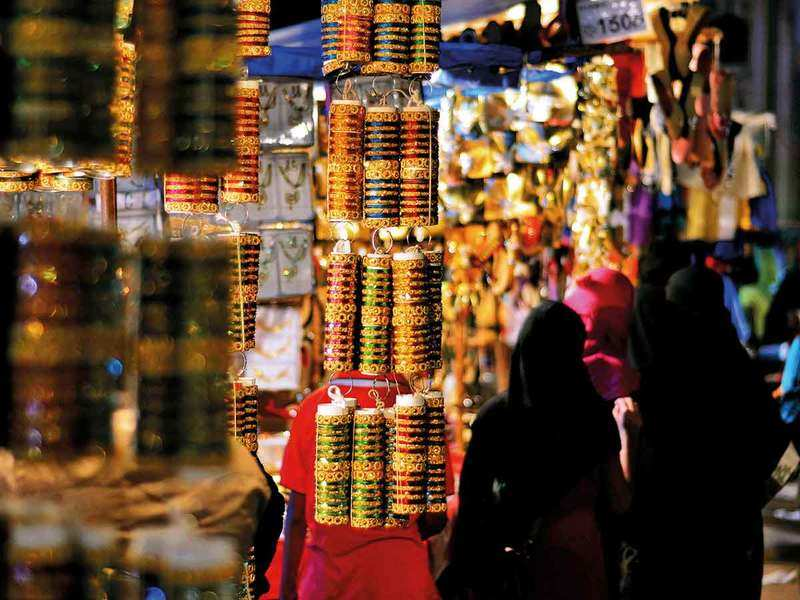 Covid-19 takes the sheen off city's iconic Laad Bazaar this Ramzan
