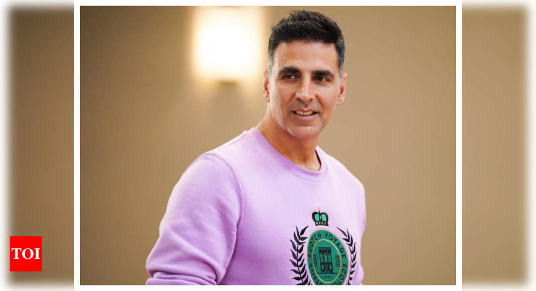 Akshay Kumar contributes 1000 wrist bands to Mumbai Police to help detect COVID-19 symptoms – Times of India