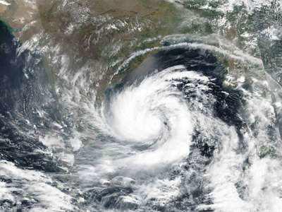 West Bengal evacuates people in coastal areas as Amphan intensifies