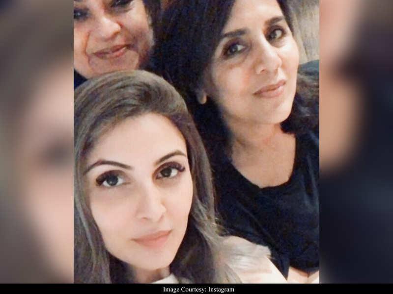 Riddhima Kapoor Sahni shares a happy selfie with mom Neetu Kapoor