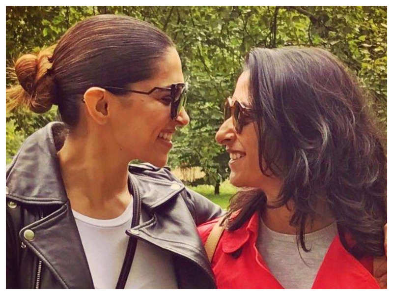 Deepika Padukone and sister Anisha kissed THIS actor's poster before going to sleep!