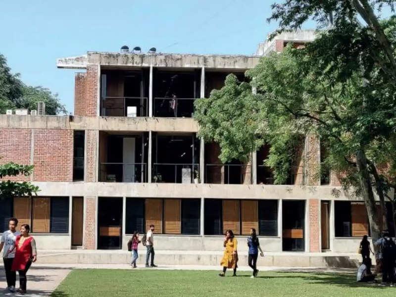 CEPT moves Monsoon Semester 2020 online