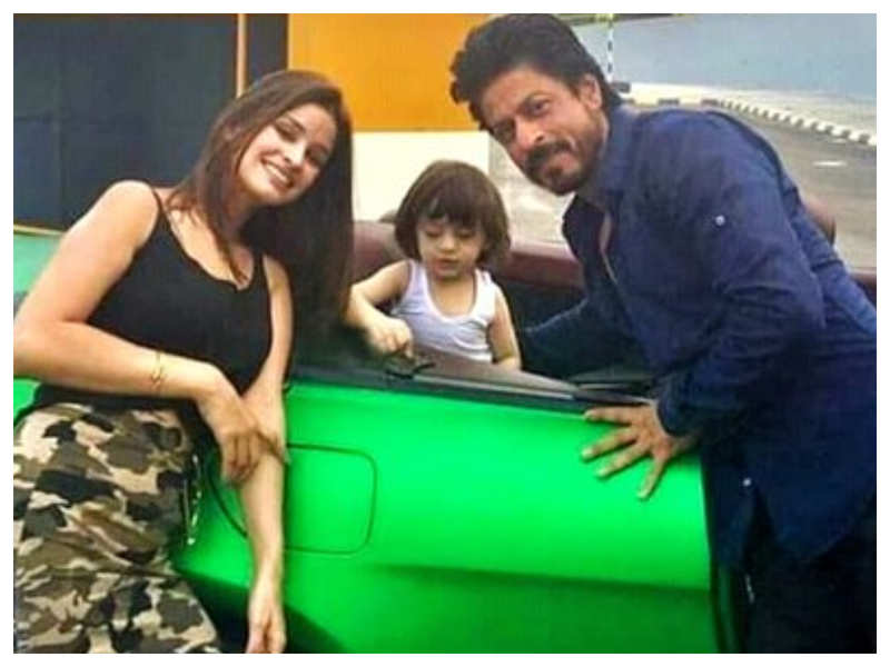 Flashback Friday: THIS adorable BTS picture of AbRam and Shah Rukh Khan from the sets of 'Dilwale' is simply too cute to miss