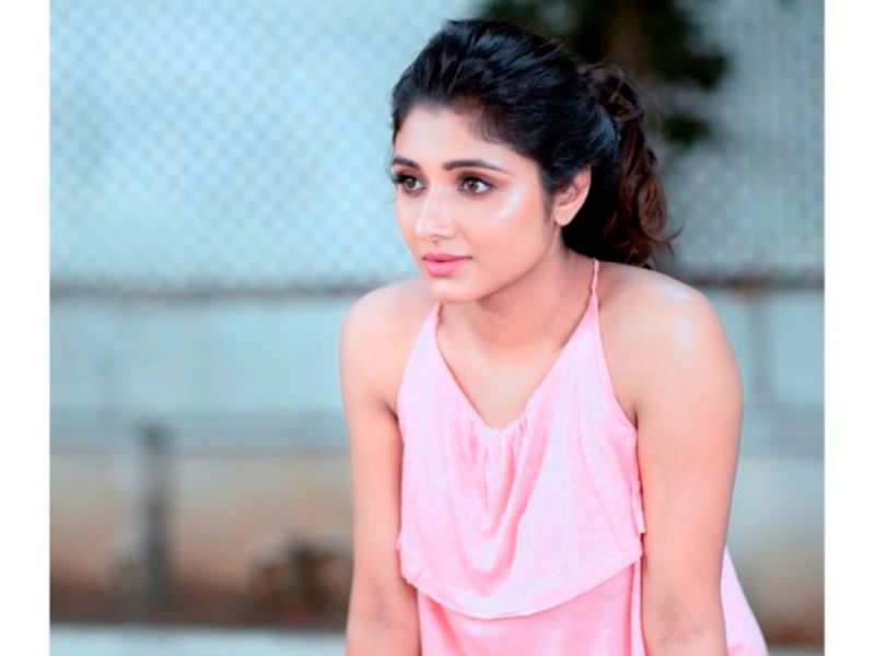 Will lady luck shine on Pattathari actress Adhiti Menon, who is Mirnaa now?