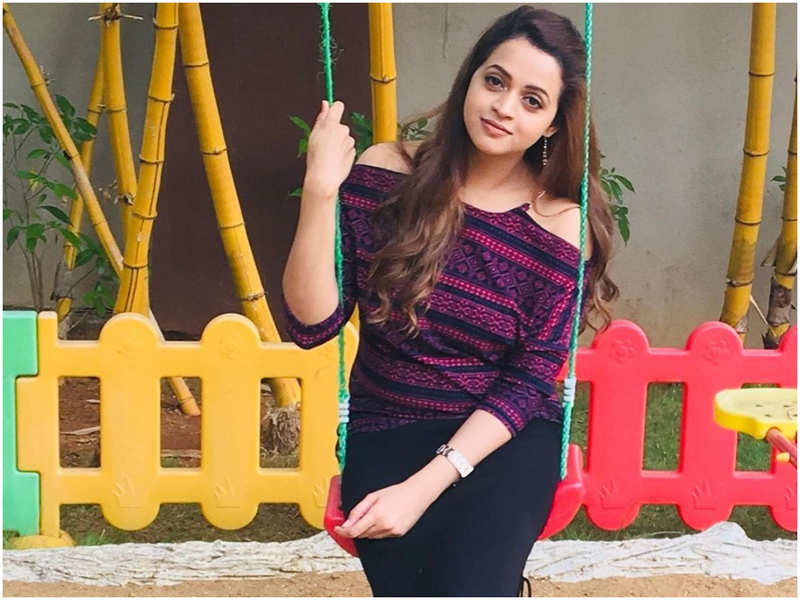 Bhavana asks her fans 'Do 'mood swings' count as cardio?' as she shares THIS quirky post