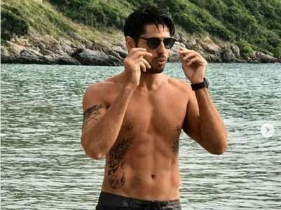PICS: Sidharth shows off his washboard abs