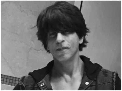 Fans upset over SRK's late Eid greetings