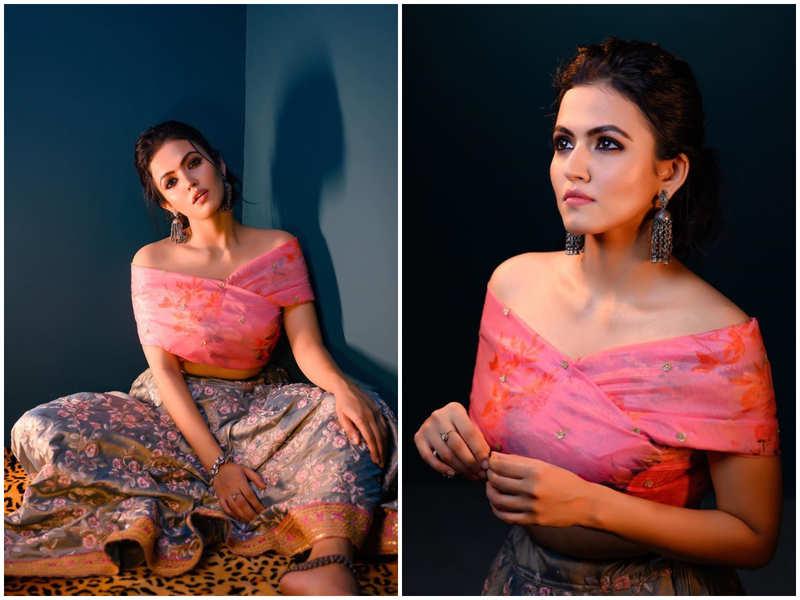 Aparna Das' stylish lehenga is the best pick for a modern bride