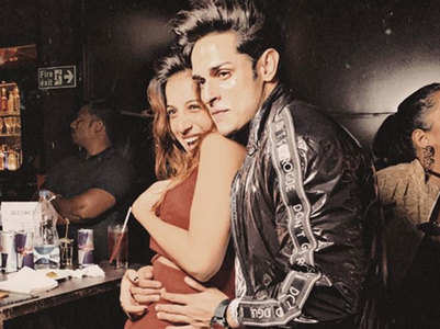 Benafsha shares romantic pic with Priyank
