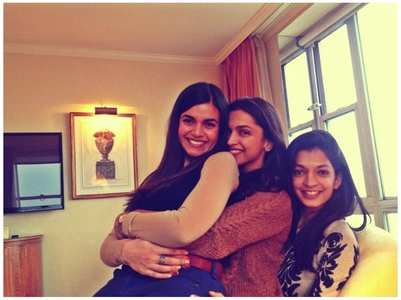 Throwback: Deepika with childhood besties
