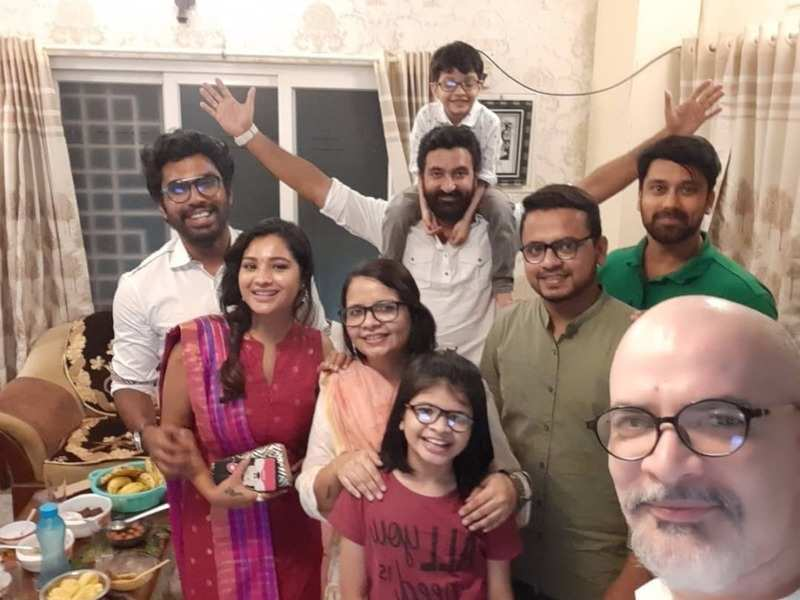 Team Run enjoys a reunion amid lockdown 4.0; actors Krishna and Thilak share happy pictures