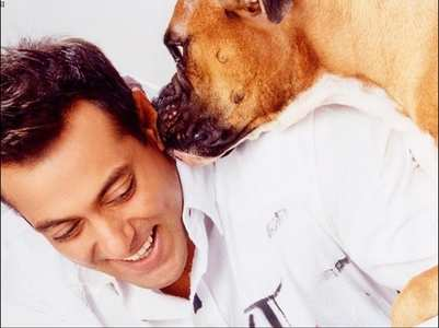 THIS pic of Salman with a dog is too cute