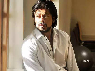 SRK extends aid for Cyclone Amphan aftermath