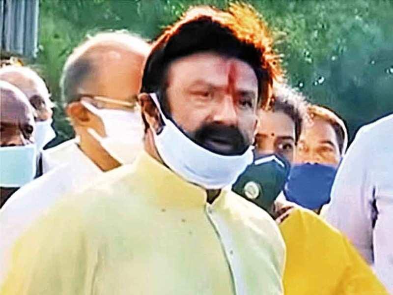 Balakrishna insulted film frat and Telangana  government, he must apologise: Naga Babu